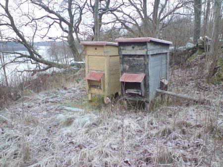 Två bikupor