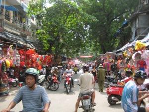 Marknadsgatan i Hanoi