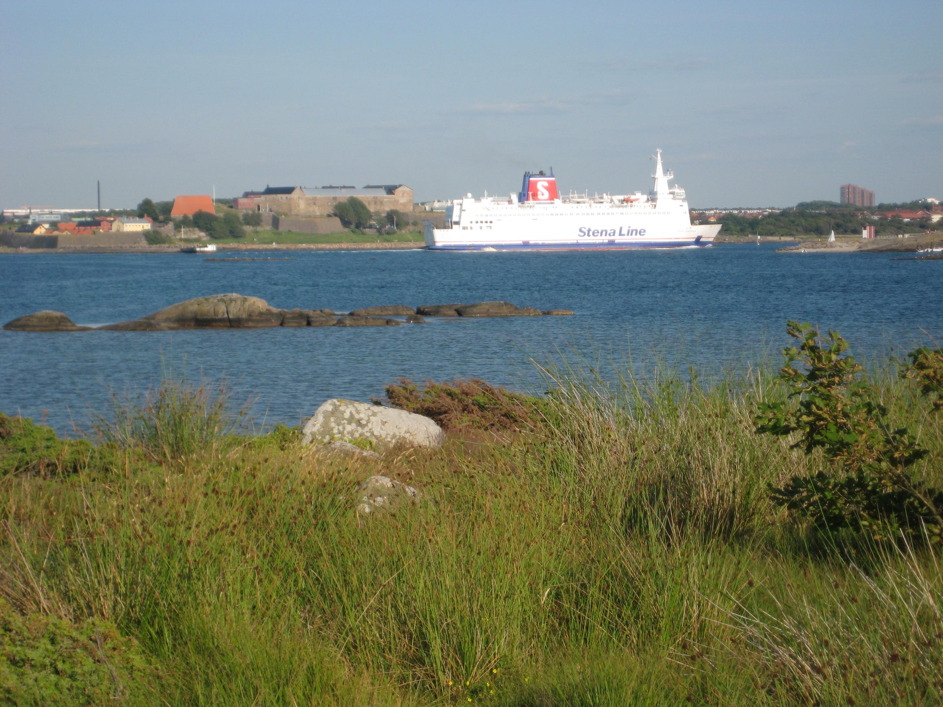 Färjan och Varbergs fästning